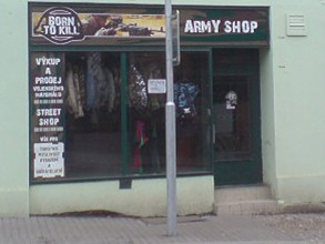 197_army_shop_prodejna_01.jpg